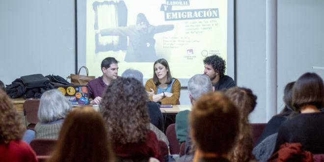De izquierda a derecha, Javier Polanco, miembro de Podemos Bélgica; Alicia Gabán, coordinadora de IU Bruselas y corresponsable de Comunicación de IU Exterior; y Eduardo Velázquez, coportavoz de la federación.