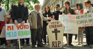 Manifestación del colectivo migrante Marea Granate en París. / @MareaGranate